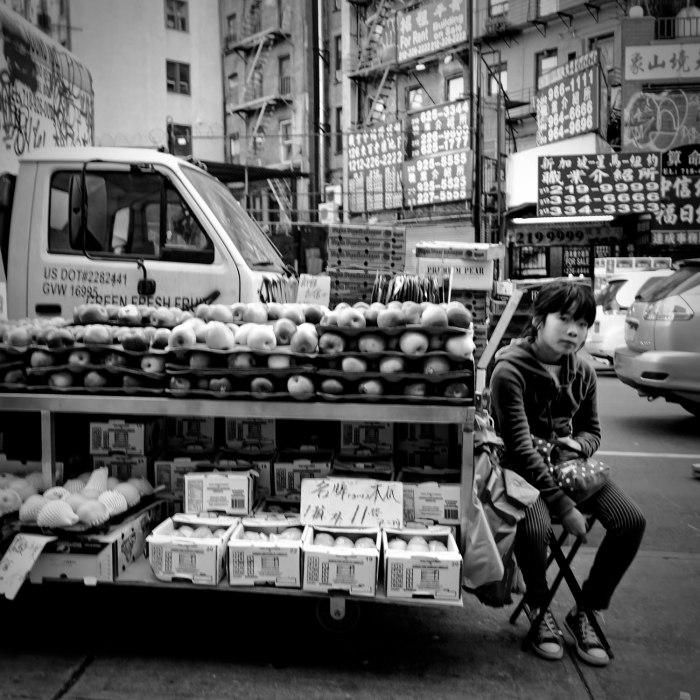 chinatown-apples