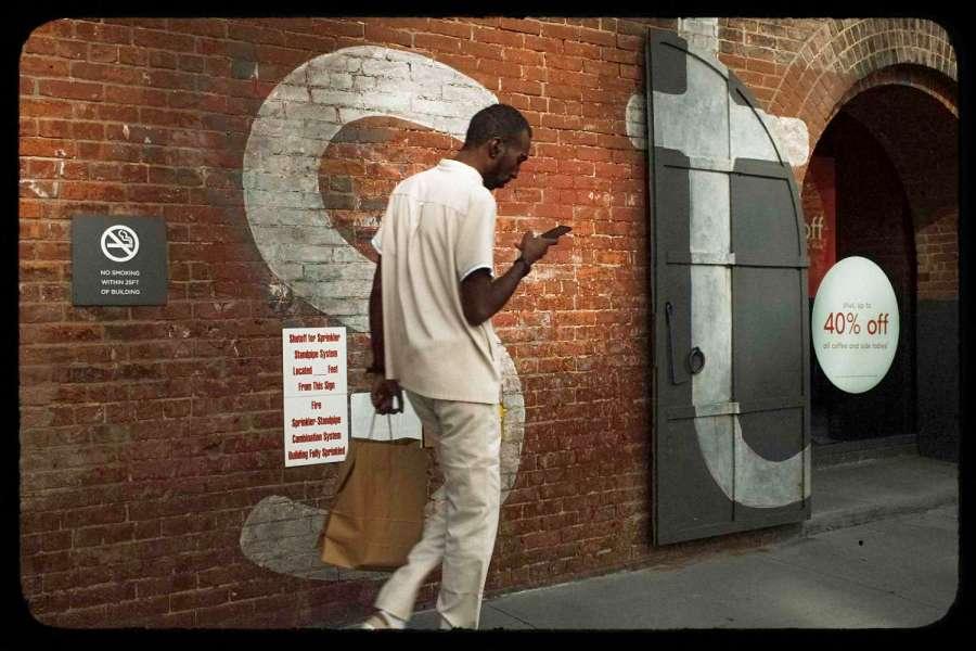 Digital Distraction in Dumbo